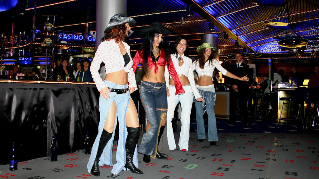 07_Events_CoyoteUgly