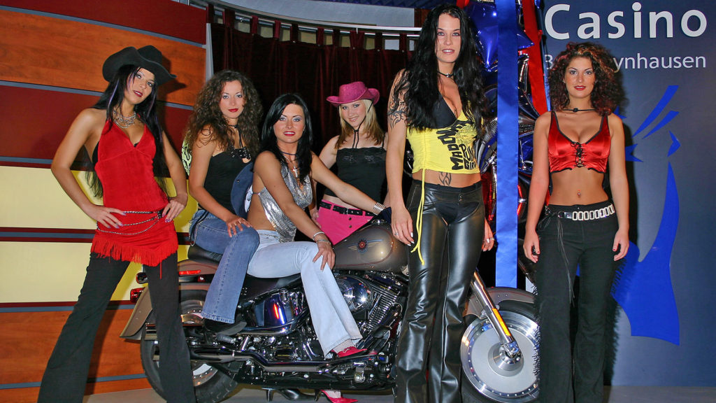 08_Events_CoyoteUgly
